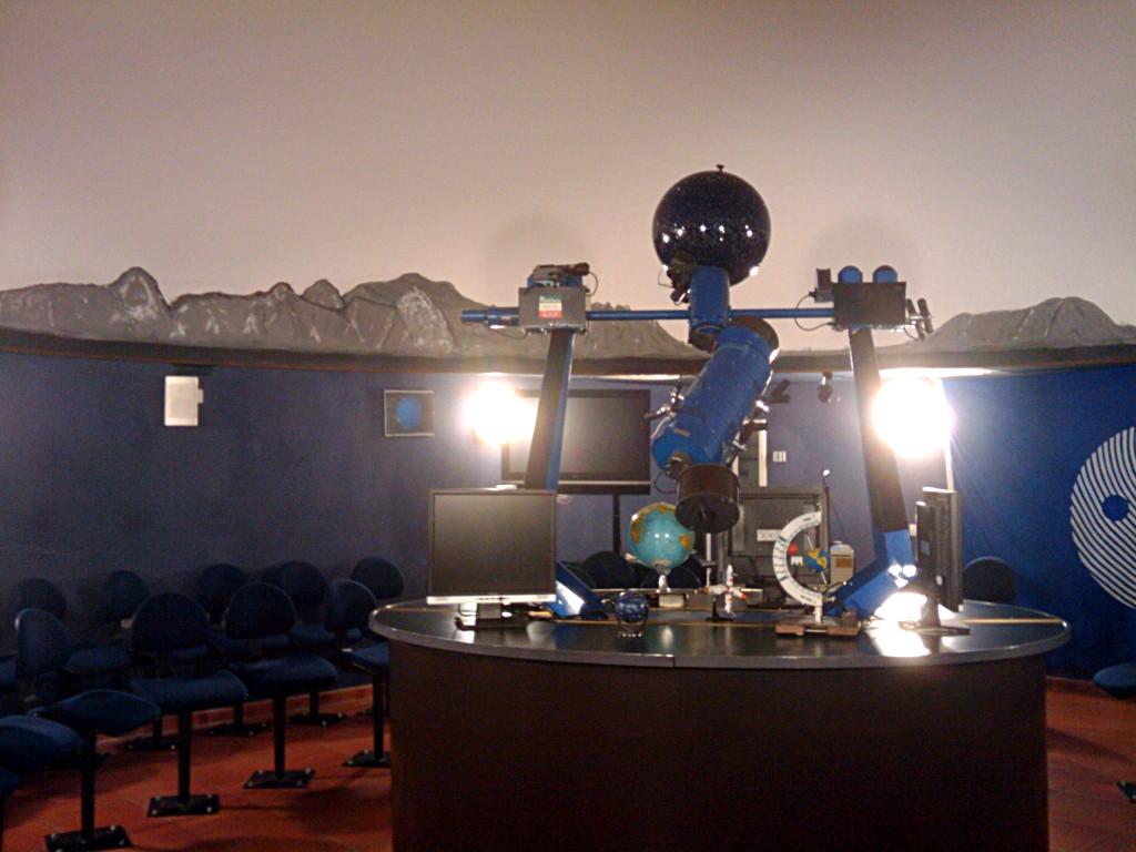 La sala del Planetario di Lecco, la sede di AstronautiCON. Credit: Paolo Amoroso